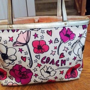 Coach Bags - Coach poppy mini tote